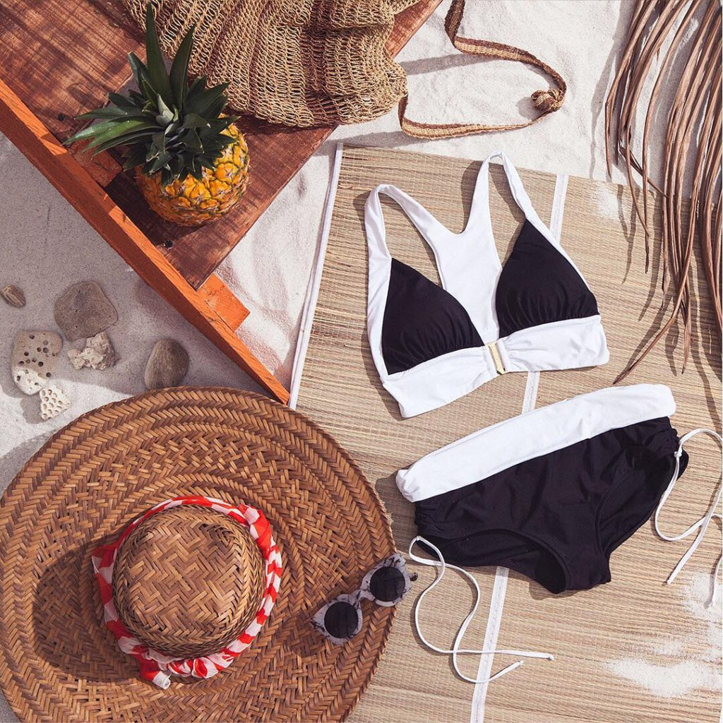 Black amp White for the beach! Lo ltimo para lahellip